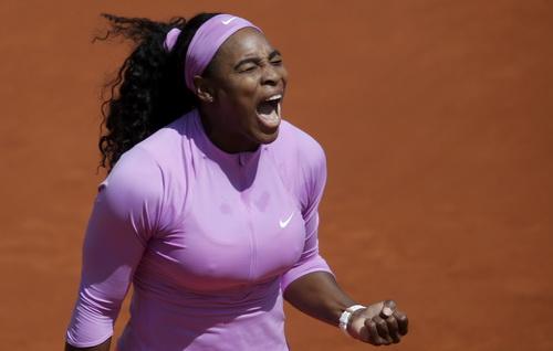 Serena lội ngược dòng ngoạn mục trước đồng hương Stephens