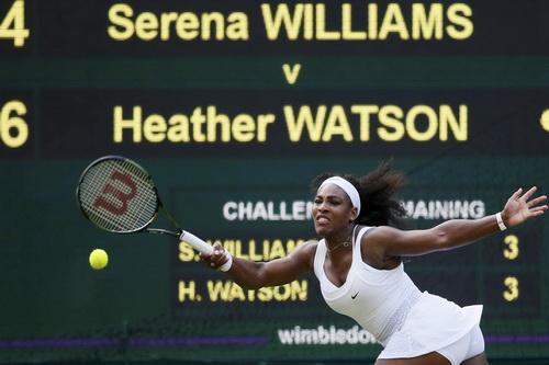 Serena quá vất vả trước Heather Watson