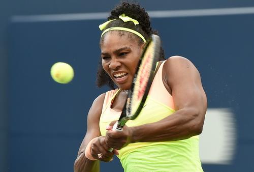 Serena dễ dàng giành vé vào vòng ba
