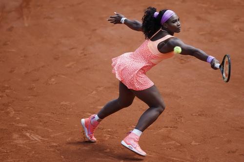 Serena Wiliams dễ dàng đánh bại Sara Errani