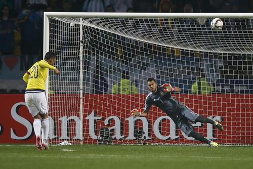 ... nhưng Argentina mới là đội chiến thắng sau loạt đá luân lưu