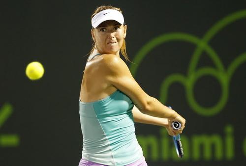 Sharapova phạm nhiều lỗi toàn trận, đành chia tay sớm với giải