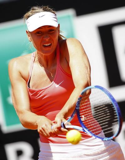 Sharapova quá mạnh và đầy quyết tâm trước Azarenka