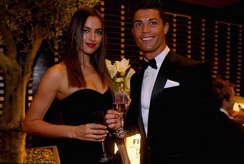 Ronaldo gắn bó thân thiết với các nhân vật của giới showbiz