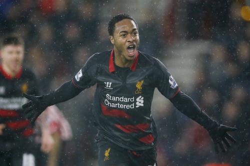 Sterling ấn định kết quả 2-0 cho đội khách Liverpool