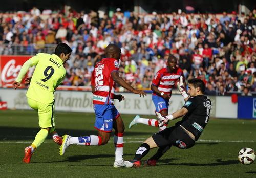 Luis Suarez và bàn thắng cho riêng mình đầu hiệp 2