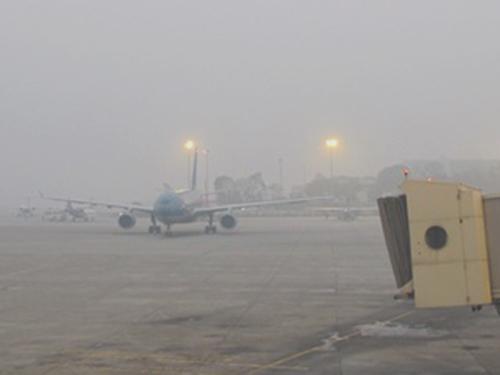 Nhiều chuyến bay tới sân bay Cát Bi (Hải Phòng) đã phải chuyển hướng hạ cánh suống sân bay Nội Bài (Hà Nội) do sương mù dày đặc - Ảnh minh họa