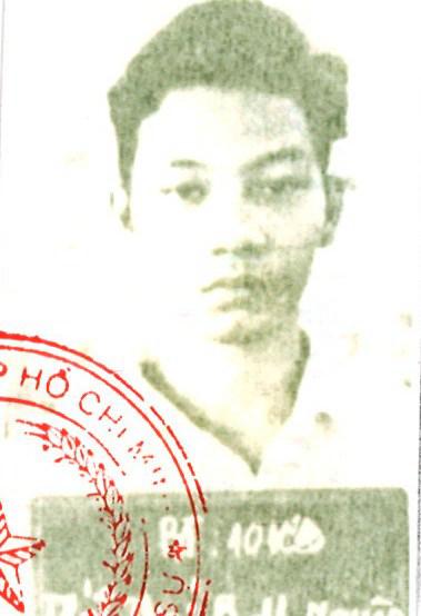 Truy nã Trát Thái Bạch Hoàng Nguyên đánh người