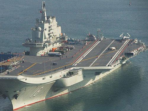 Tàu sân bay Liêu Ninh của quân đội Trung Quốc Ảnh: JEFF HEAD