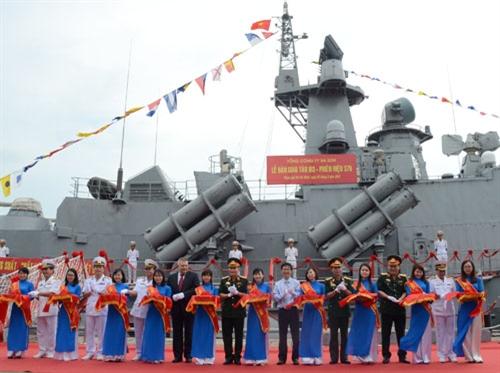 Lễ bàn giao hai tàu tên lửa M3, M4 cho Quân chủng Hải quân