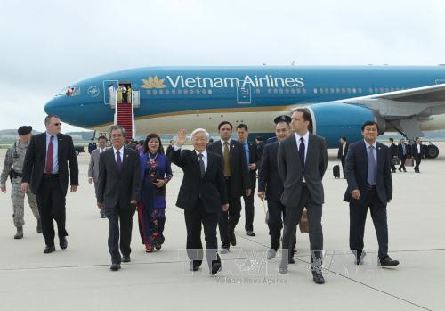 Đúng 8 giờ (giờ địa phương, tức 19 giờ Việt Nam) ngày 6-7, Tổng Bí thư Nguyễn Phú Trọng và đoàn đại biểu cấp cao Việt Nam đã đến Mỹ