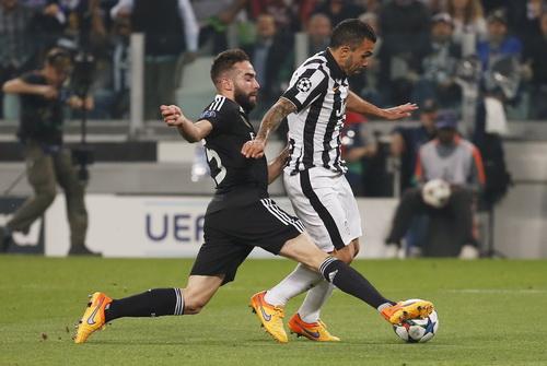 Pha truy cản trái phép của Carvajal với Tevez khiến Real Madrid phải nhận thất bại chung cuộc