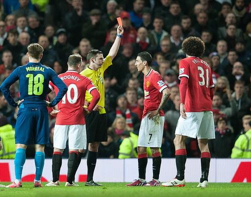 Tấm thẻ đỏ ở tứ kết FA Cup như một dấu chấm hết cho tương lai Di Maria ở Old Trafford