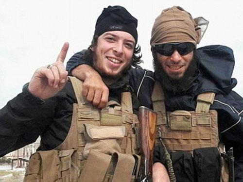 Hai nghi phạm bị tiêu diệt ở Bỉ là Redouane Hagaoui (trái) và Tarik JadaounẢnh: Daily Mail