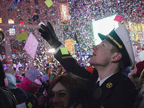 Người dân TP New York - Mỹ đón năm mới 2015Ảnh: Reuters