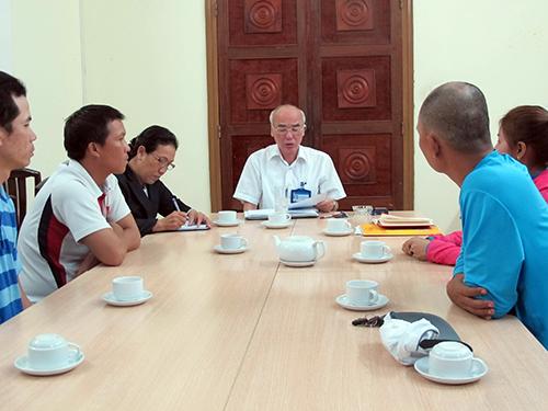 Giám đốc Sở Văn hóa - Thể thao TP HCM Phan Nguyễn Như Khuê (giữa) ở buổi làm việc chiều 19-1