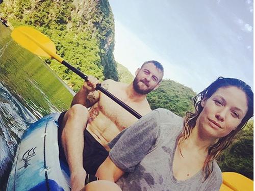De Rossi và người yêu ở vịnh Hạ LongẢnh: Instagram của Sarah Felberbaum