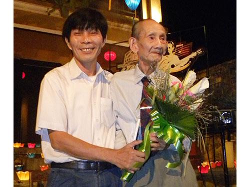 Ông Nguyễn Sự trong một lần gặp gỡ giới văn nghệ sĩ  Ảnh: LÊ VIẾT Hai