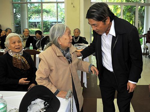 Ông Nguyễn Bá Thanh trong một lần gặp gỡ cán bộ lão thành ở TP Đà NẵngẢnh: LÊ HẢI