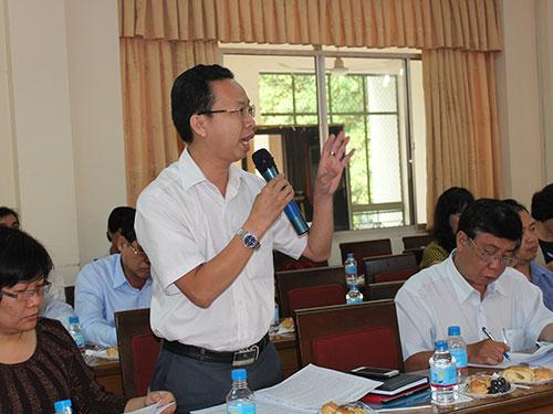 Đại biểu góp ý tại hội thảo