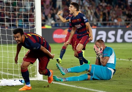 Pedro ghi bàn làm quà chia tay Barcelona