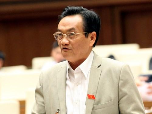 ĐB Trần Du Lịch (TP HCM) phát biểu trên nghị trường Quốc hội