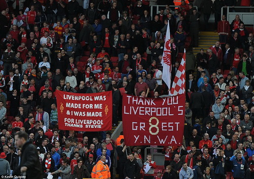 Người hâm mộ Liverpool tri ân Gerrard