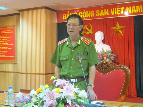 Trung tướng Phan Văn Vĩnh - Tổng cục trưởng Tổng cục cảnh sát Bộ Công an - tại buổi họp báo