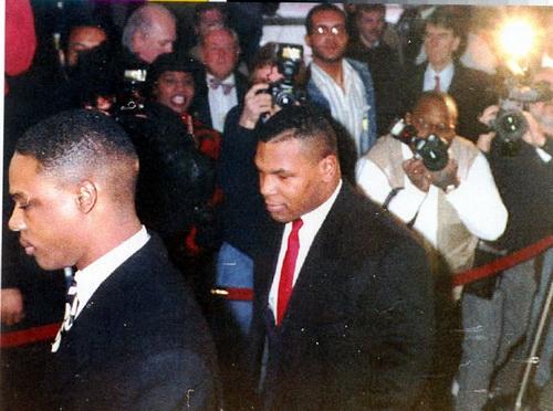 Mike Tyson ra tòa năm 1992