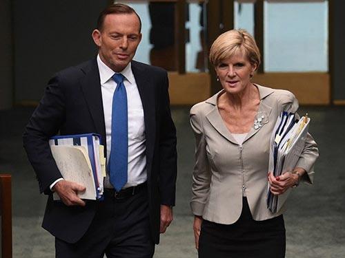 Thủ tướng Úc Tony Abbott (trái) và Ngoại trưởng Julie Bishop Ảnh: AAP