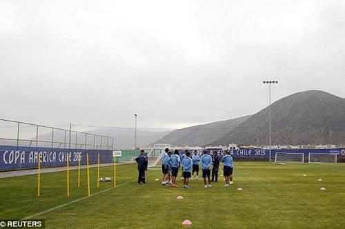 Uruguay lo lắng cho các vòng đấu tiếp theo của Copa America 2015