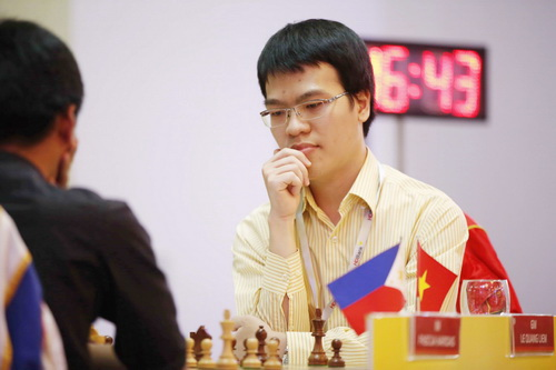 Lê Quang Liêm dẫn đầu sau 4 ván đấu