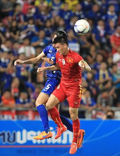 Nếu bình tĩnh, Công Vinh đã có thể ghi bàn cho Việt Nam
