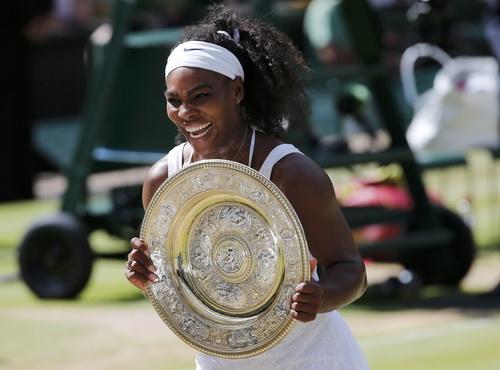 Chiếc cúp thứ 6 của Serena ở Wimbledon