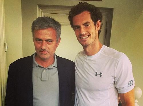 Mourinho chụp ảnh cùng Murray tại Queens Club