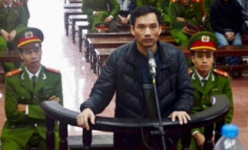 Ông trùm đường dây buôn bán 541 bánh heroin Vũ Ngọc Sơn tại phiên tòa