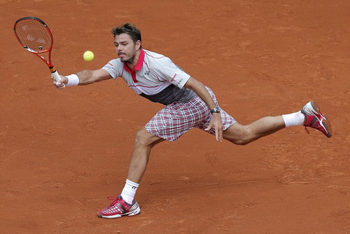 Wawrinka thắng dễ Marsel Ilhan ở trận ra quân tại Roland Garros