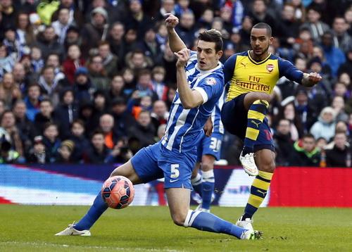 Theo Walcott trở lại và ghi bàn từ phút thứ 2