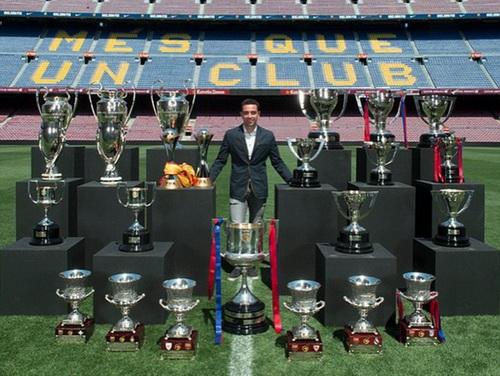 Xavi và bộ sưu tập thành tích khủng với Barcelona