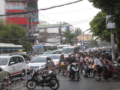 Ùn tắc giao thông nghiêm trọng