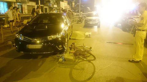 Hiện trường vụ tai nạn xế hộp tông chết mgười người đàn ông đi xe đạp