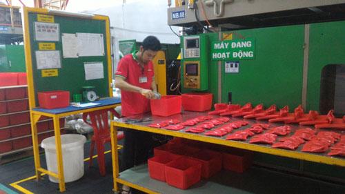 Nhựa Phước Thành, một trong số ít doanh nghiệp Việt trở thành nhà cung ứng cho Samsung Ảnh: THÁI PHƯƠNG