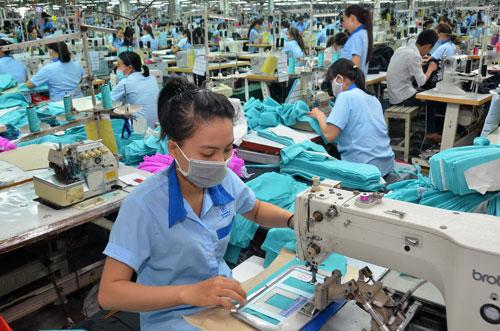 Tình trạng thâm dụng lao động trong nền kinh tế vẫn chưa được cải thiện đáng kể Ảnh: Tấn Thạnh