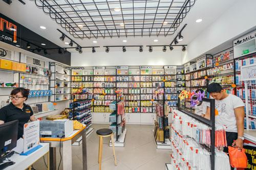 Cửa hàng bán phụ kiện thiết bị di động ngày càng nhiều ở TP HCM