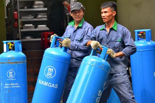 Giá gas giảm từ tháng 12-2016 theo giá thế giới Ảnh: Tấn Thạnh