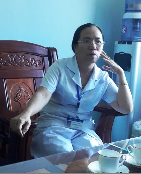 Bà Nguyễn Thị Kim Ngân - Giám đốc Bệnh viện Đa khoa Bắc Quảng Bình trả lời vụ việc với phóng viên vào sáng 26-9