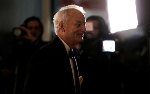 Bill Murray hạnh phúc đến nhận giải Ảnh: REUTERS