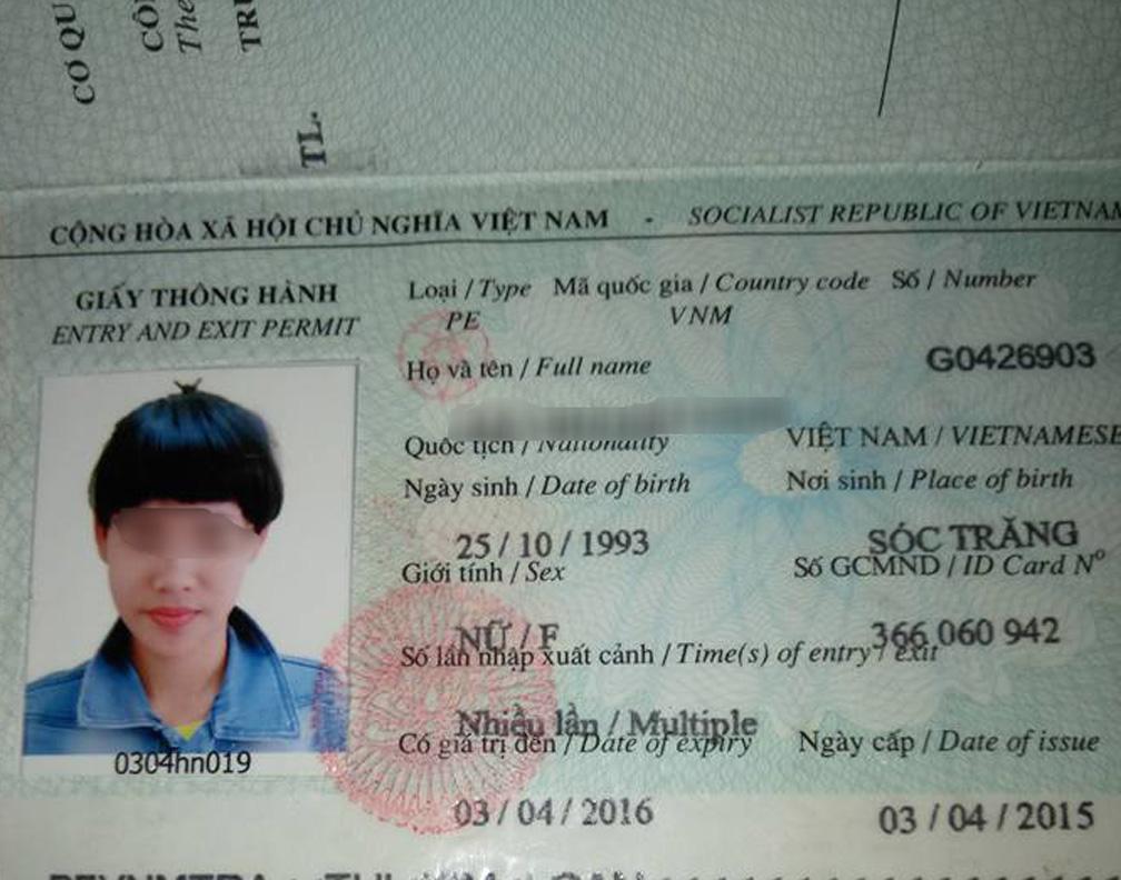 Hình ảnh kêu cứu ở Trung Quốc và hộ chiếu được cho là của L. Ảnh trên mạng xã hội