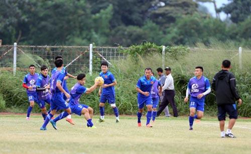 Buổi tập của đội tuyển Việt Nam chiều 1-12 tại Bogor Ảnh: ĐỨC ANH
