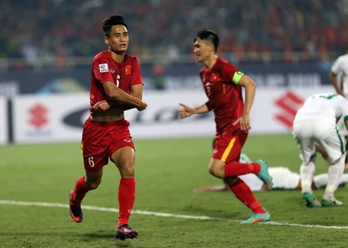 Tuyển Việt Nam tưởng chừng hồi sinh sau bàn thắng nâng tỉ số 2-1 của Vũ Minh Tuấn nhưng đuối sức và sai lầm ở hiệp phụ khiến đội dừng bước Ảnh: QUANG LIÊM